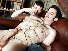 Wanked off and made to spunk - Matt Madison And Zacary Starr
